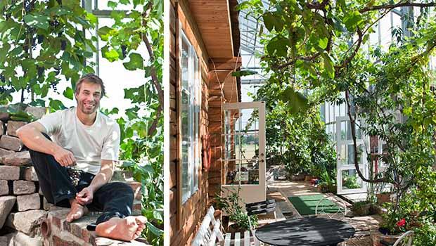 Familjen Solvarm lever i ett växthus nära naturen