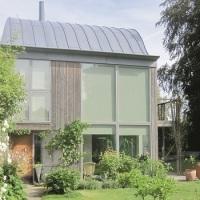 Zoltan Kiss byggde ett hus i ett hus